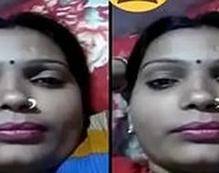 Indian Desi Village Bhabhi showing Their way Boobs essentially Video Request Part 1