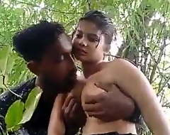 Desi girl alfresco sex