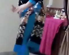 Desi Busty Aunty Dance