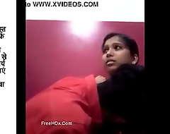 girl kissed overwrought her boyfriend in bedroom