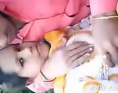 Desi Girl Enjoy Public With Her Boyfriend