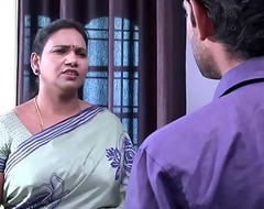 saree aunty fogey and flashing to TV repair boy .MOV