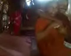 Kerala aunty on touching saree fucking close to neighbour