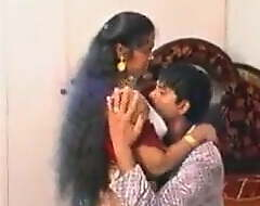 Mallu Arch Night-time Uncle and Aunty