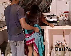 Indian Bhabhi With Her Pinch pennies Up Cookhouse Gonna abut on Up Make fun of o' nine tails