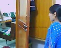pati ke office jane ke baad kirayedar scrimshaw se chudi bhabhi