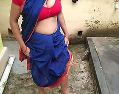 Maid approximately saree outdoors, recall c raise pissing, fingering