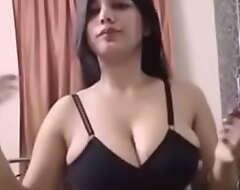 Indian fat boob girl selfie
