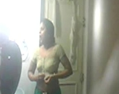 sheela aunty wash up hidden captured