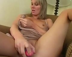 Yans MILF Desiree Jabiga Orgasms