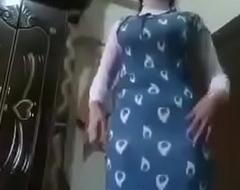 desi hijab aunty