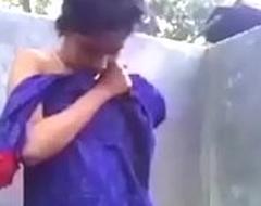 Indian Desi girl irrigation video mymassagetube.com