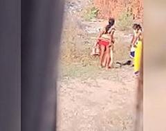 manisha bhabhi urinating secretive cam